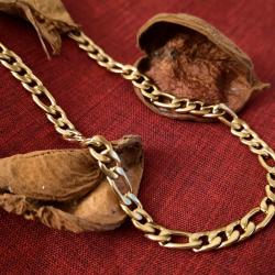 Collana Figaro